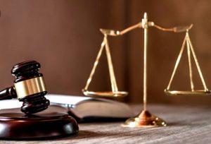 Pengertian Yurisprudensi, Jenis, Dasar Hukum, Manfaat dan Contoh Kasusnya