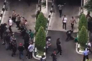 Demo Soal UU KPK di Medan, Polisi Gebuki Mahasiswa Pakai Pentungan