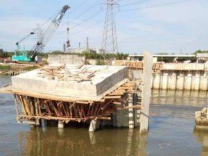 Medan Kota Metropolitan Namun Warga Miskin Terpaksa Galang Dana Untuk Perbaiki Jembatan