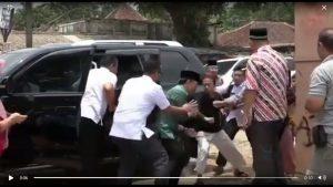 Tes Ketajaman Mata Mencari Pisau Naruto di Video Penusukan Pak Wiranto