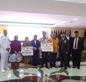 Bank Sumut Beri Tanda Penghormatan kepada Keluarga Pahlawan Nasional