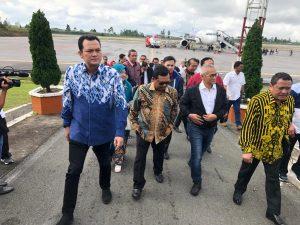 Tinjau Bandara Silangit, Martin : Lestarikan Kesenian & Budaya Lokal