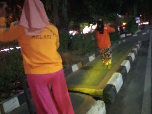 Biaya Rp100 Ribu untuk Tes Urine, Penyapu Jalan : Tolong Bantu Bang, Kami Belum Gajian