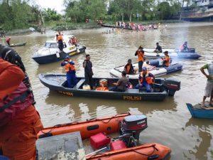 Pelajar SMP Meninggal Akibat Pegangan Terlepas Lalu Hanyut di Sungai