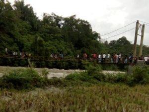 Sedang Menonton Banjir Bandang, Jembatan Tiba-tiba Putus, 4 Orang Meninggal Dunia dan 6 Hilang