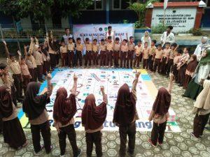 Mahasiswa UIN SMH Banten Ciptakan Permainan Rupe Untuk Korban Banjir Bandang
