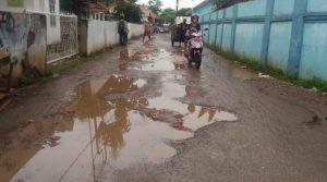 Di Kota Serang Ada Jalan Rusak 15 Tahun Tak Diperbaiki dan Sering Timbulkan Kecelakaan