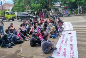 Mahasiswa Serang Unjuk Rasa, Soroti Kasus Kekerasan Seksual Terhadap Perempuan