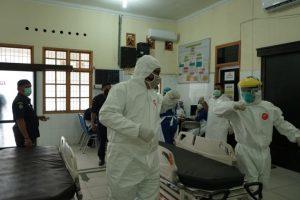 Warga Takut Bawa PDP ke RS, Sekda Asahan Bawa Ambulans Sendiri ke Lokasi