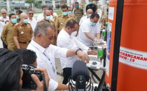 Antisipasi Corona, Bank Sumut Serahkan Bantuan Tempat Cuci Tangan ke 21 Kecamatan