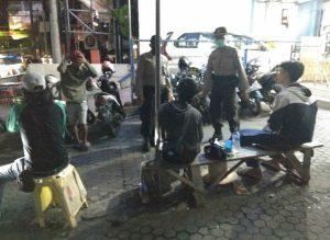 Ketahuan Nongkrong, Sejumlah Warga Dibubarkan Aparat Kepolisian di Kota Serang