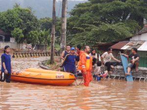 Banjir Rendam Sebagian Kota Cilegon setelah Diguyur Hujan Selama 3 Jam