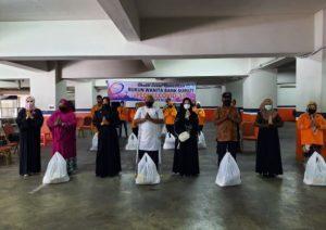 Rukun Wanita Bank Sumut Beri Bantuan untuk Pemulung, Penyapu Jalan dan Warga Kurang Mampu