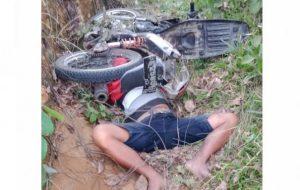 Diduga Mabuk saat Berkendara, Pria Ini Tewas Tertimpa Sepeda Motor Sendiri