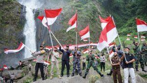 75 Bendera Merah Putih Dikibarkan di Obyek Wisata Ponot Aek Songsongan