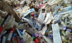 Geger Sampah Alat Medis Covid-19 Dibuang di Pinggir Jalan, Ini Kata Polisi