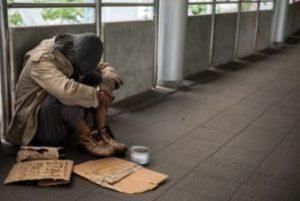 Pemerintah Janji Jemput Bola Urus e-KTP Masyarakat Miskin dan Terlantar