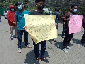Demo di Depan DLH Medan, Mahasiswa Soroti IPAL RS Bunda Thamrin